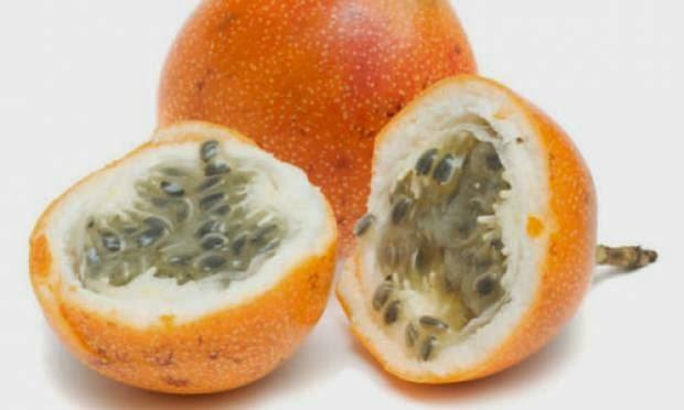 Fruta da América do Sul, contém: vitamina A; fitoquímicos, que reduzem o colesterol; e fibras solúveis, para o controle do diabetes.