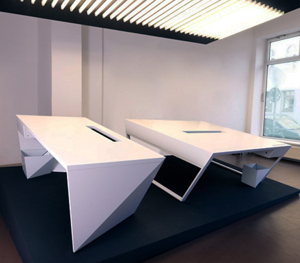 Office desk kinzo air table futuristic minimalist for Tischbeine design