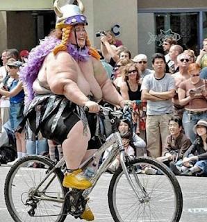 smešne slike: debela žena na Biciklu