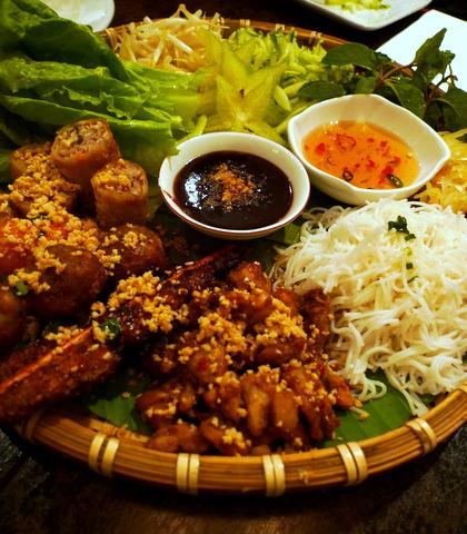 vietnam kitchen platter