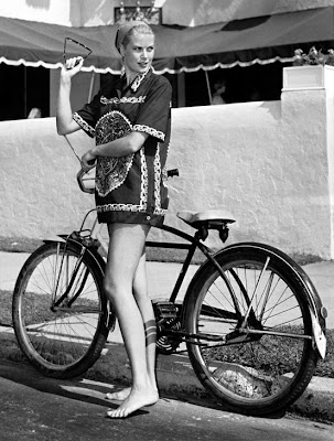 black and white retro bicycle