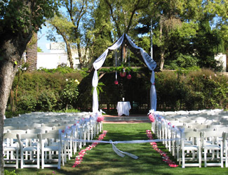 Outdoor Venues For Weddings