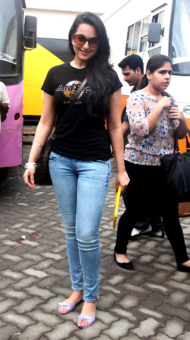 sonakshi sinha fat figure