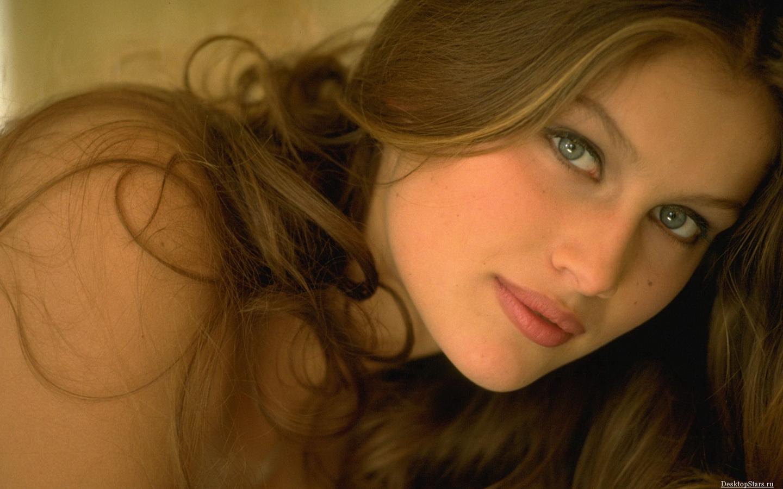 http://1.bp.blogspot.com/-Hu2byQrpLoE/TpQZrdMVjZI/AAAAAAAADzg/TLFn1jebSWY/s1600/laetitia+casta+nude+pics+%25283%2529.jpg