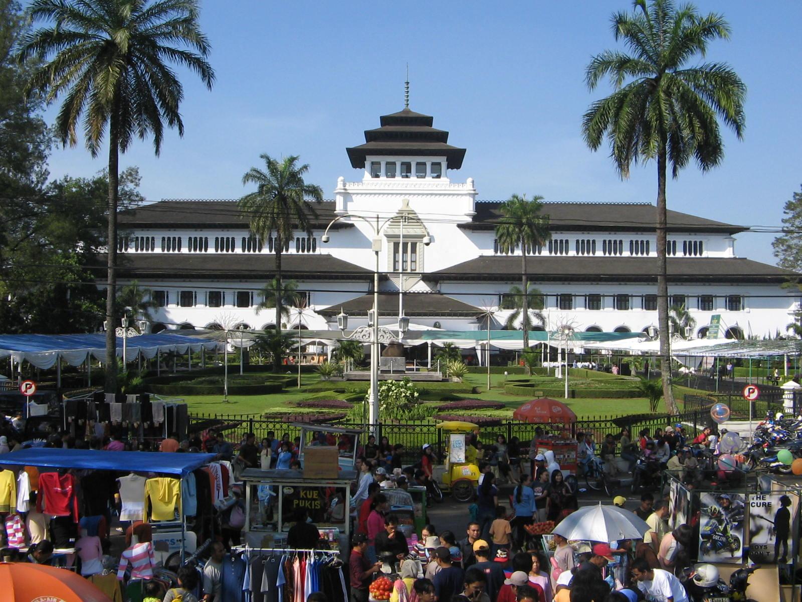 Bandung Sightseeing Tour
