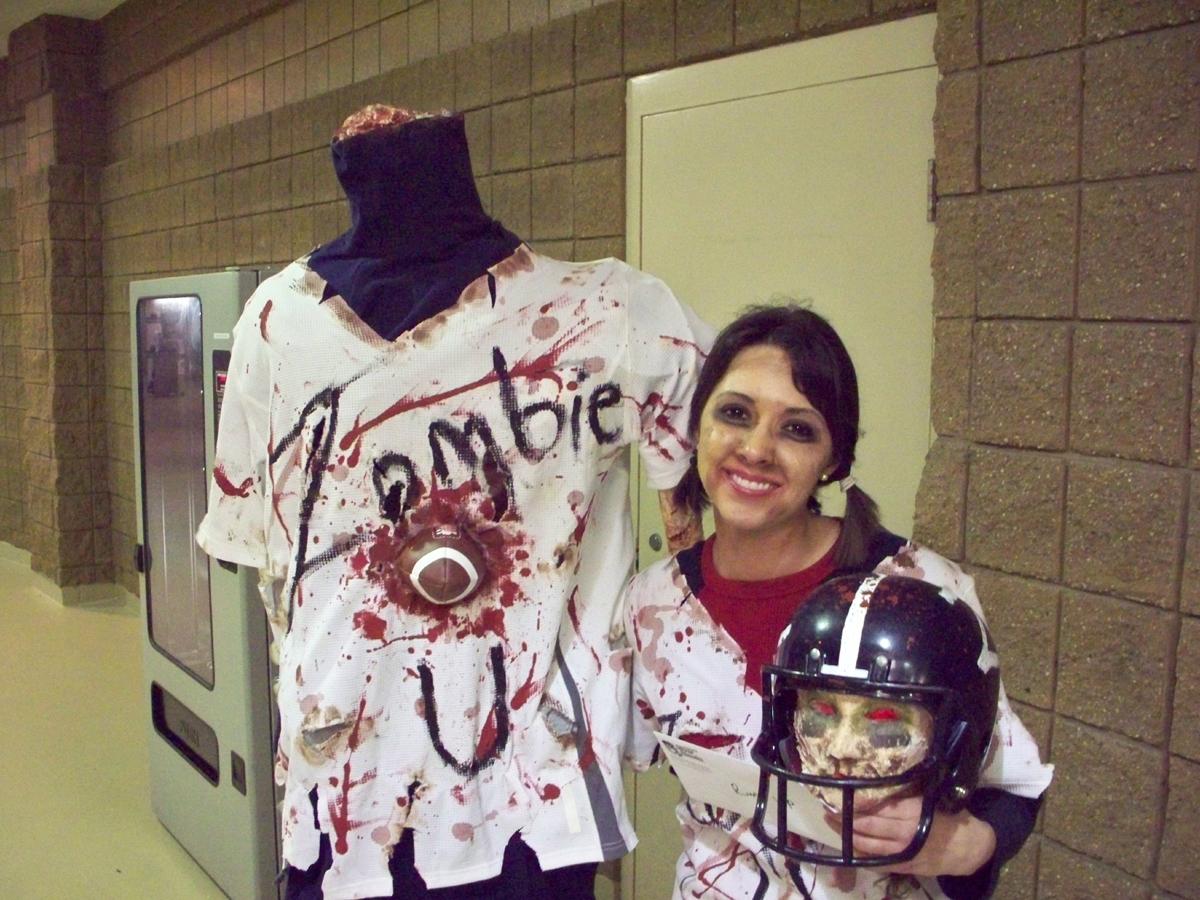 making zombie costume | halloween zombie