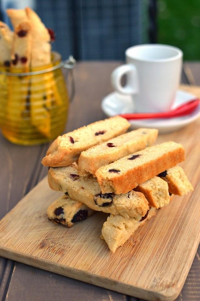 Almond-Cranberry Biscotti (Eggless Recipe)