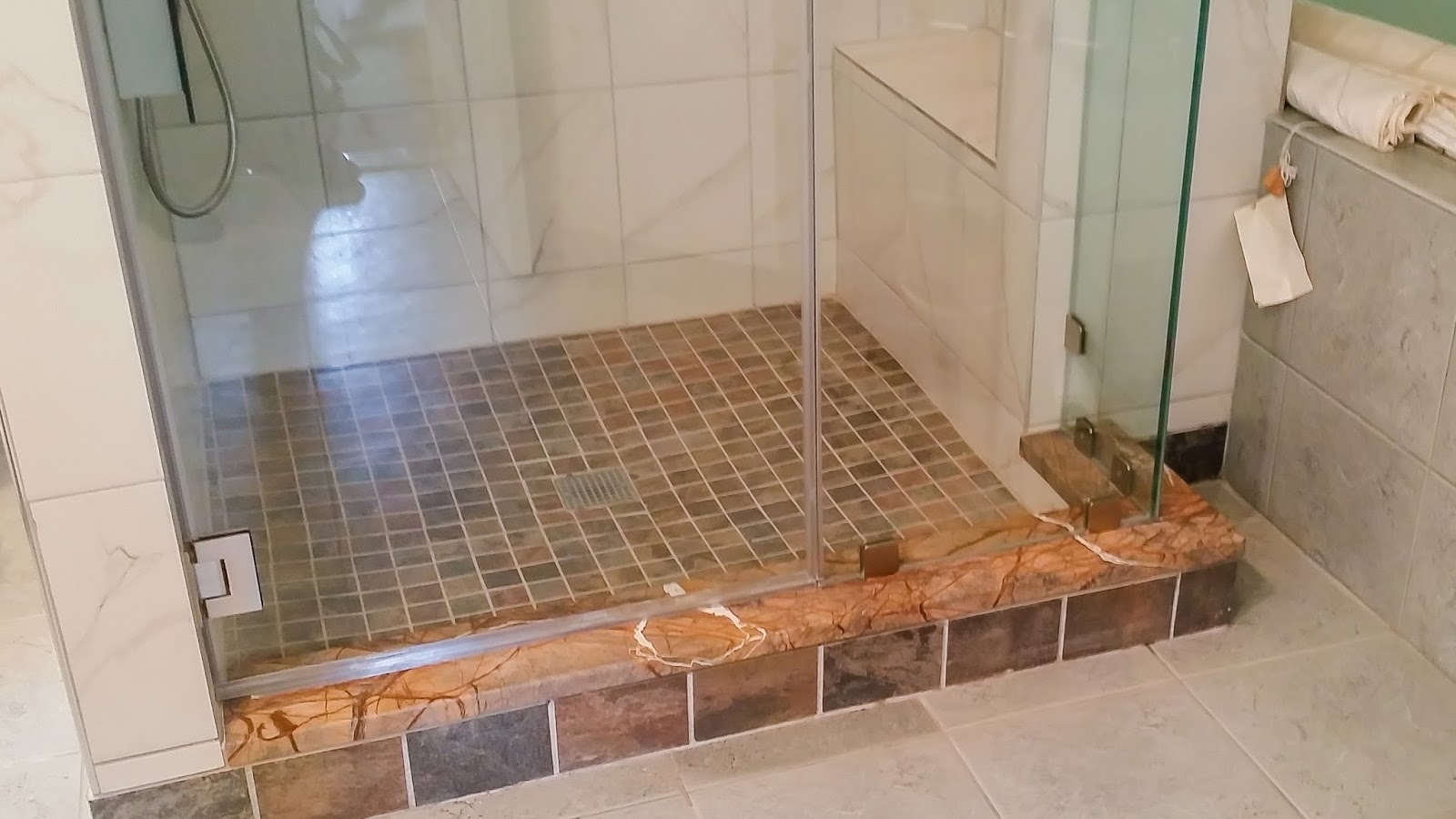 Best Bathroom Remodel Using Shower Enclosures With Heavy Glass ...