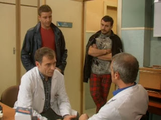 Pope (Marcial Álvarez) y Charlie (Juanjo Artero) en 'Hospital Central'