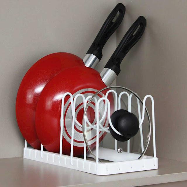Organizador de tampas e frigideiras para armário