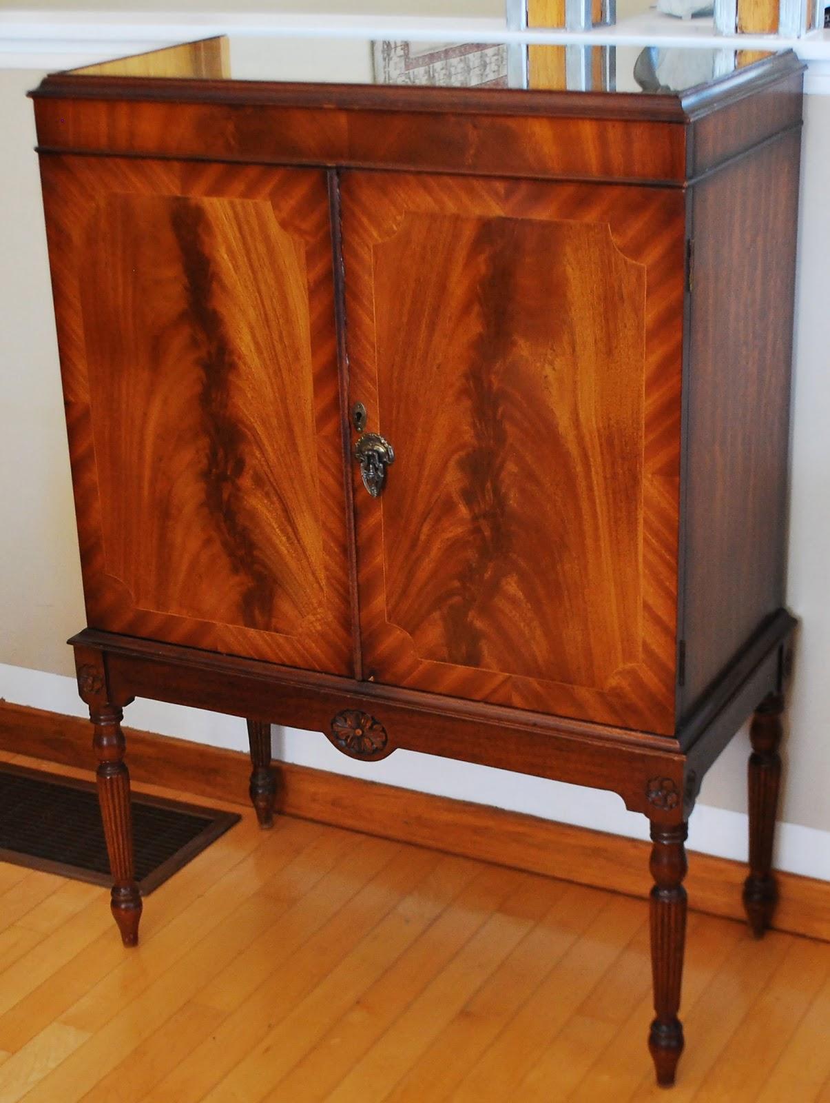 Tribute 20th Decor: Mahogany Liquor Cabinet