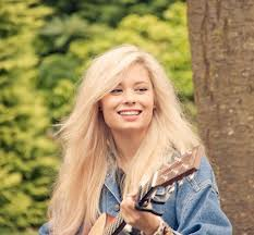 Cantora britânica Nina Nesbitt