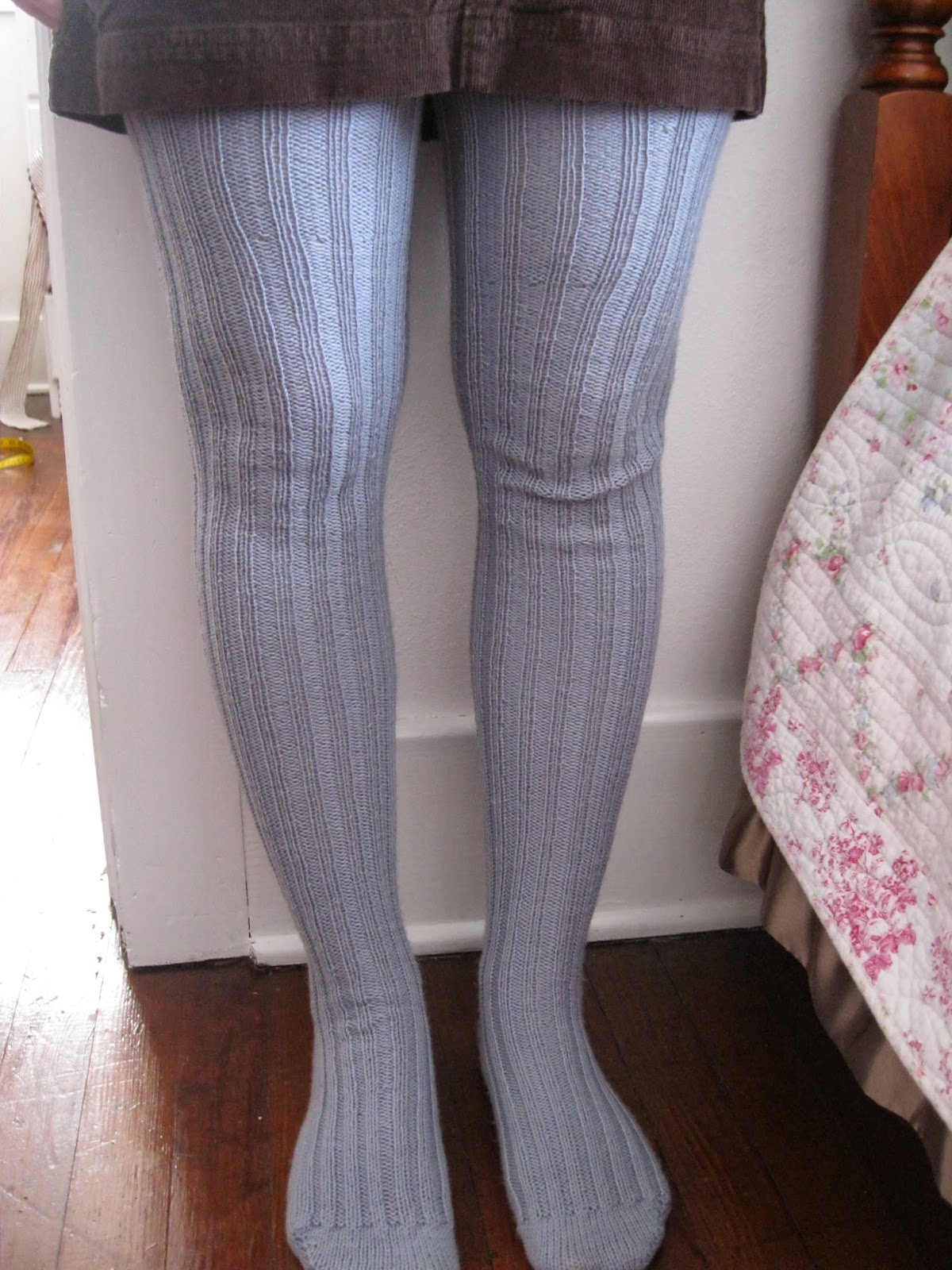 Tights Knitting Pattern : Apron History: Knitted Tights