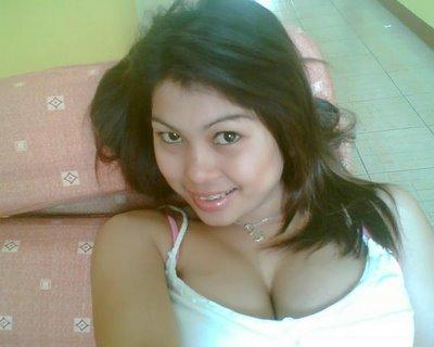 Gambar Hot Gadis Cewek Panas Tralalababay