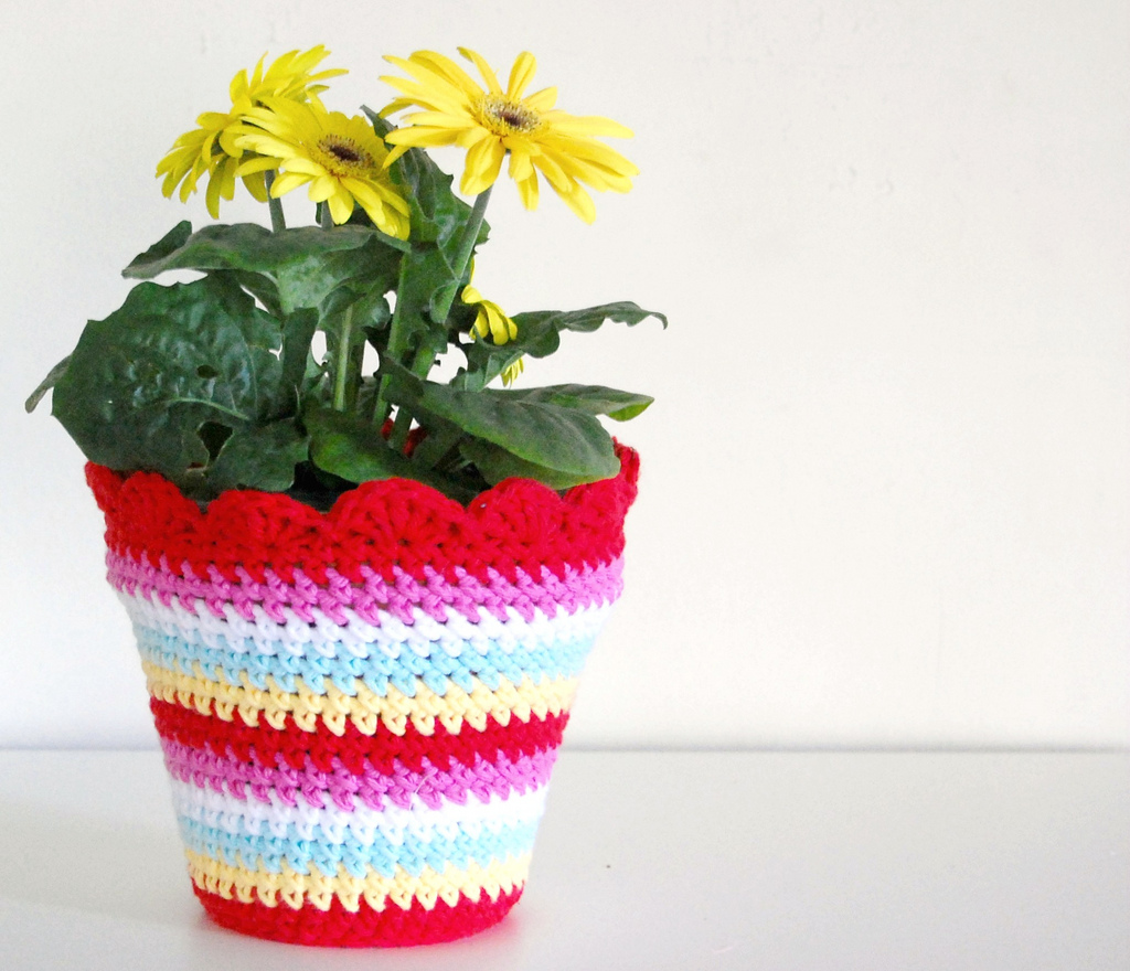 hopscotch lane: Crochet Flower Pot