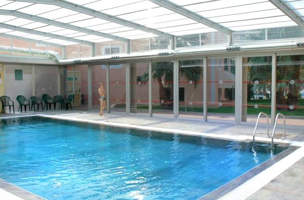 Hoteles para ni os benidorm alicante hotel servigroup for Hoteles en benidorm con piscina climatizada