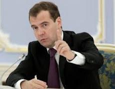 Ντμίτρι Μεντβέντεφ- Οι Ρώσοι να μάθουν να ζουν με κυρώσεις