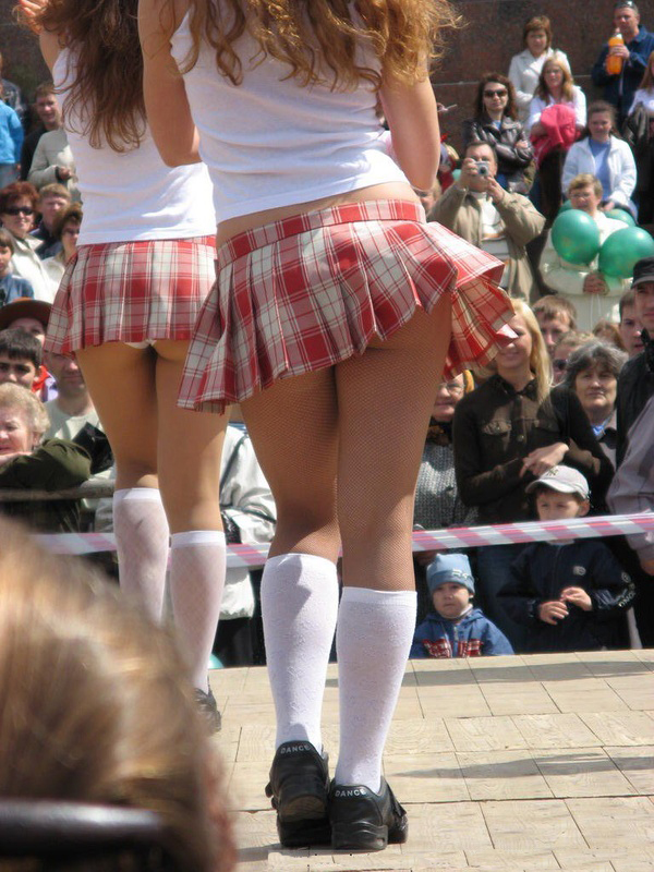 ... girls upskirt up skirt public public upskirt hot sexy school girl