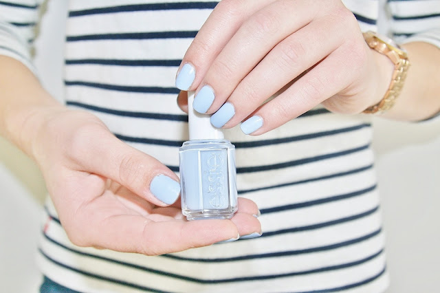 Katherine Penney Chic Essie Nail Polish Beauty Review Blue Pastel Summer 2015 New Pretty manicure Saltwater happy