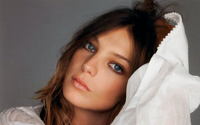 Daria Werbowy Biography and Photos