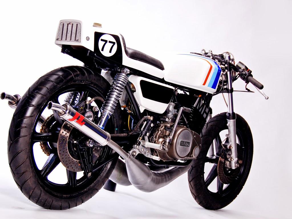Yamaha RD 400 R Cafe Racer by MotoHangar