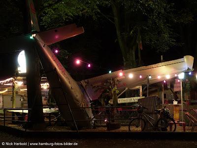 Stadtpark Hamburg, Bar in Hamburg, El Ray, am Abend, bei Nacht, Flugzeug Dekoration