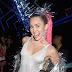 Asociación de padres se queja por la incitación de Miley Cyrus a consumir drogas durante los VMAs