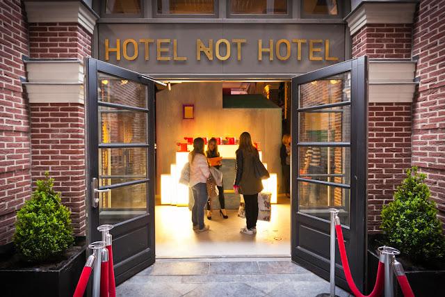 Hotel Not Hotel di Amterdam, Belanda