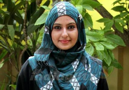 Monica Pelakon wanita India peluk Islam