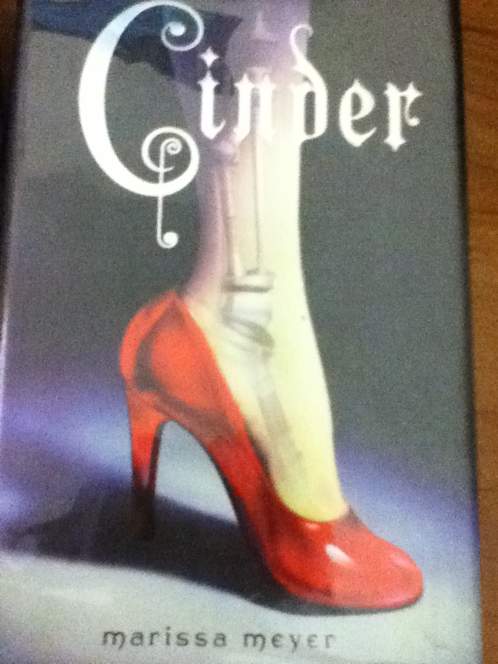 Rachael Turns Pages Book Review Cinder By Marissa Meyer