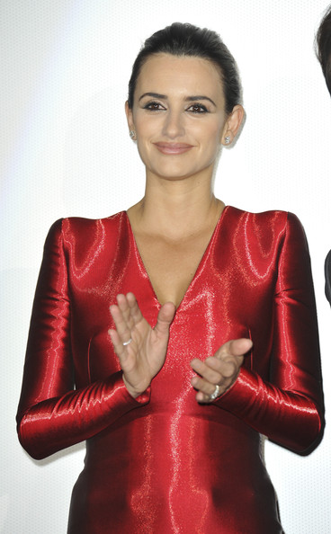 Penelope Cruz Hair, Long Hairstyle 2011, Hairstyle 2011, New Long Hairstyle 2011, Celebrity Long Hairstyles 2178