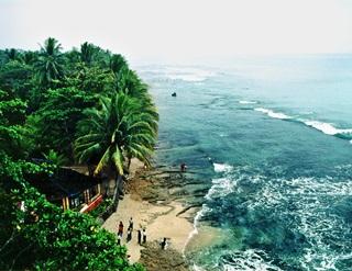 7 Tempat Misterius Di Indonesia
