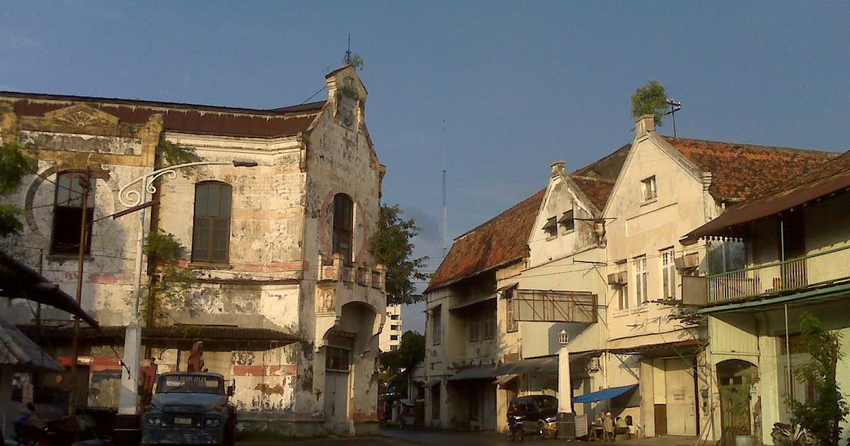 arsitektur kolonial kota lama semarang Bukti adanya benteng di kota lama semarang, hanya dapat dijumpai dalam peta,  namun  kata kunci: kota lama, bangunan kolonial, obyek penelitian.