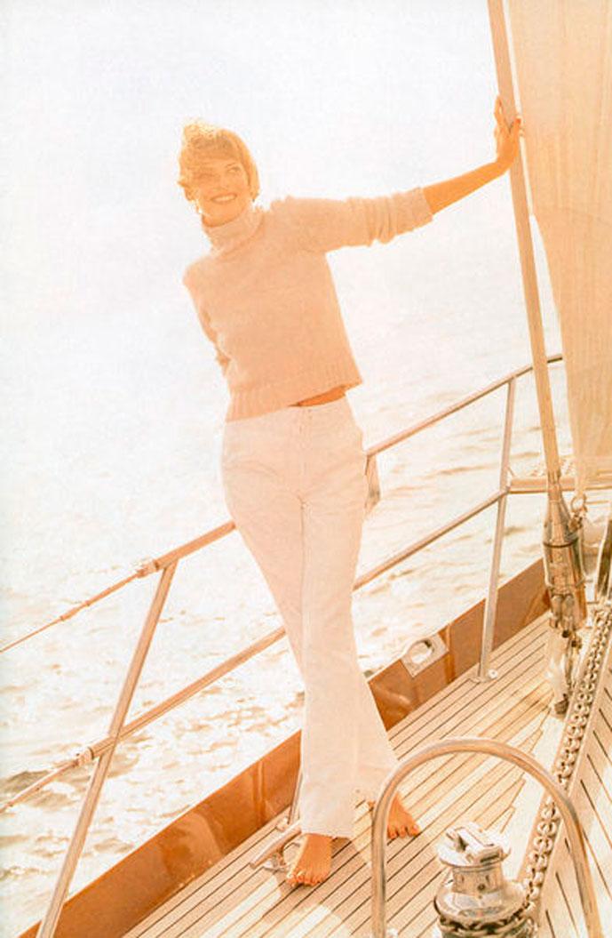Linda Evangelista in Harper's Bazaar November 1996 (photography: Patrick Demarchelier)