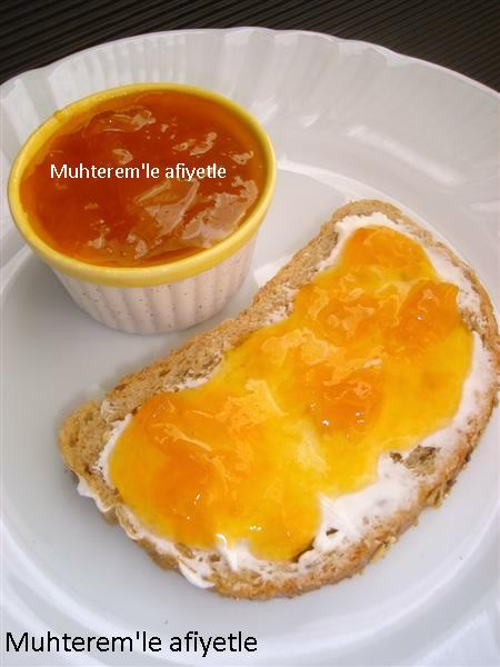 yellow plum jam