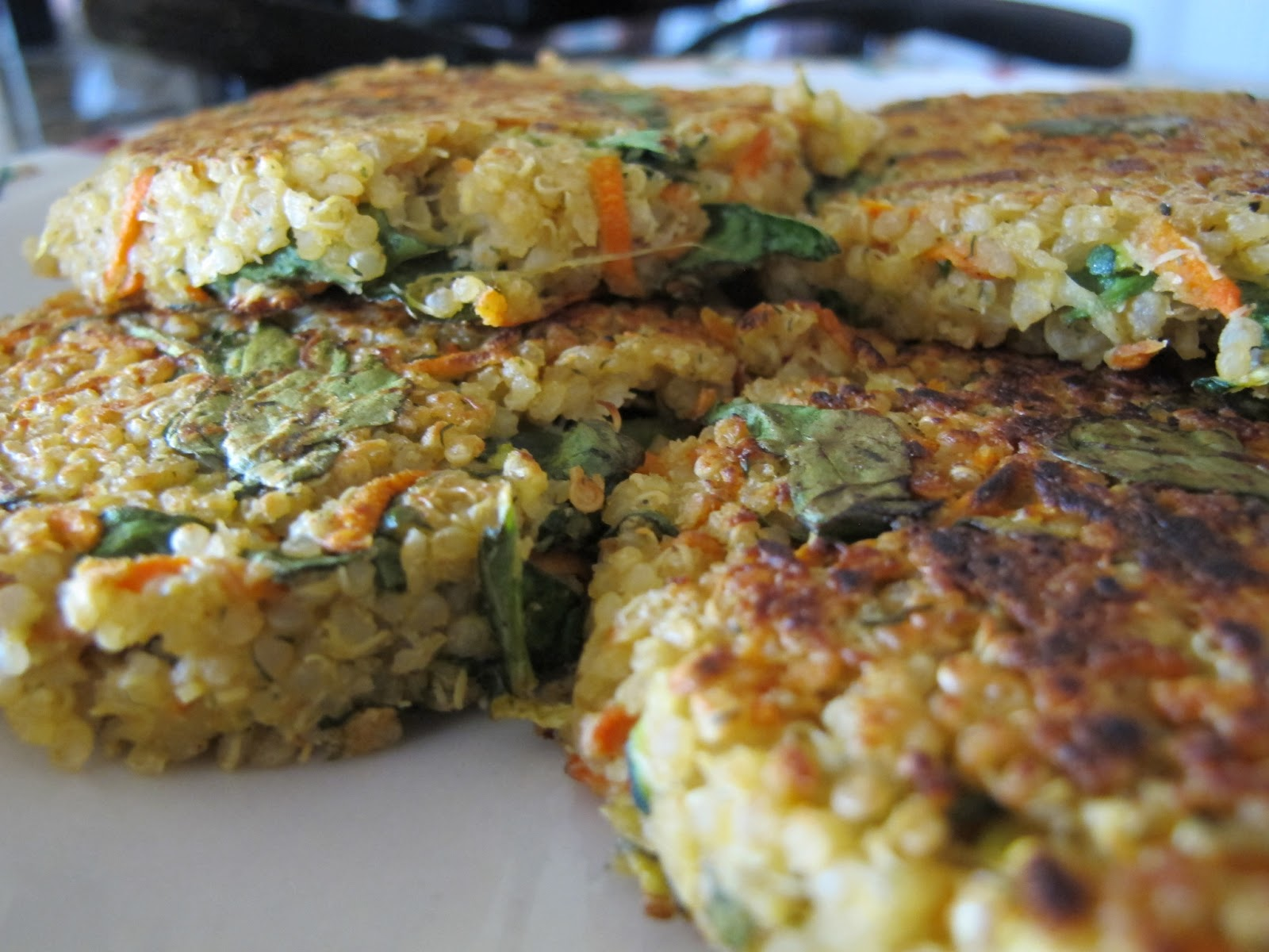 Simple. Healthy. Tasty: Quinoa Burgers