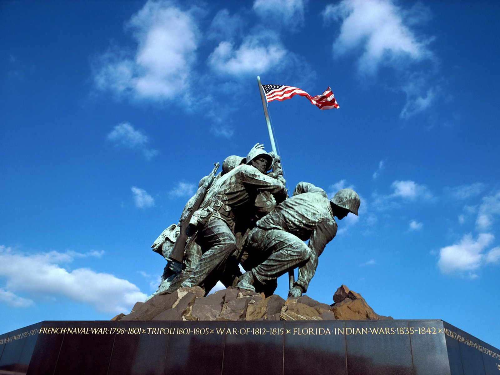 Free Memorial Day PowerPoint Template 4