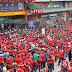 Timbalan menteri kantoi taja perhimpunan Baju Merah