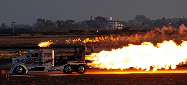 Огненный грузовик созданный талантливыми людьми