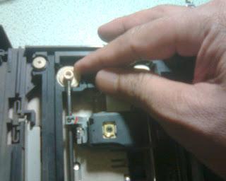 Langkah Kedua Dalam Memperbaiki Optik PS2 (2)