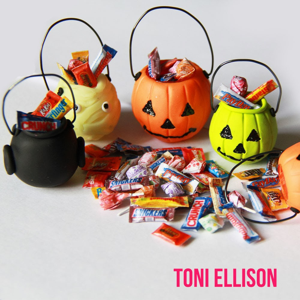 768586490 besides Halloween food clipart moreover Id16 furthermore 7 likewise Gummy Worms. on halloween candy