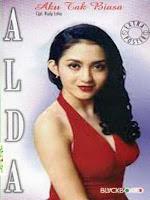 free download Lagu Aku Tak Biasa - Alda mp3 + syair dan Lirik serta gambar kunci chord gitar lengkap