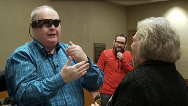 Olho biónico permite a homem cego voltar a ver