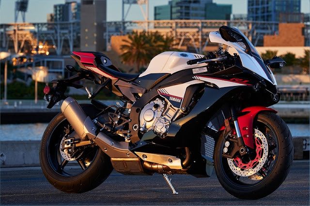 yamaha-r1s-side1