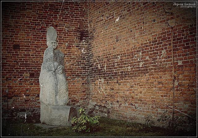 Rzeźby Bolesława Marschalla w Olsztynie i Reszlu