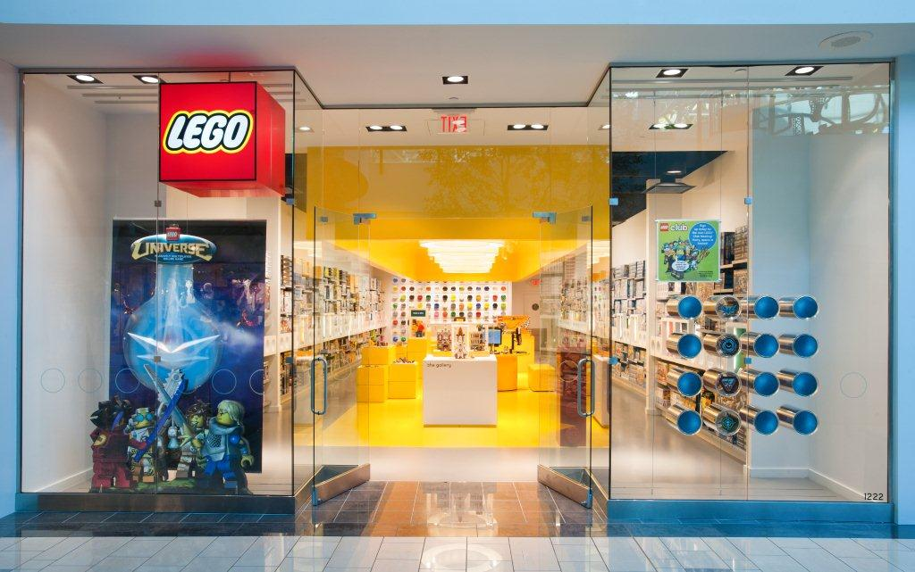 So You Think You Can Mom?: Westfield Topanga: LEGO Store Grand Opening!