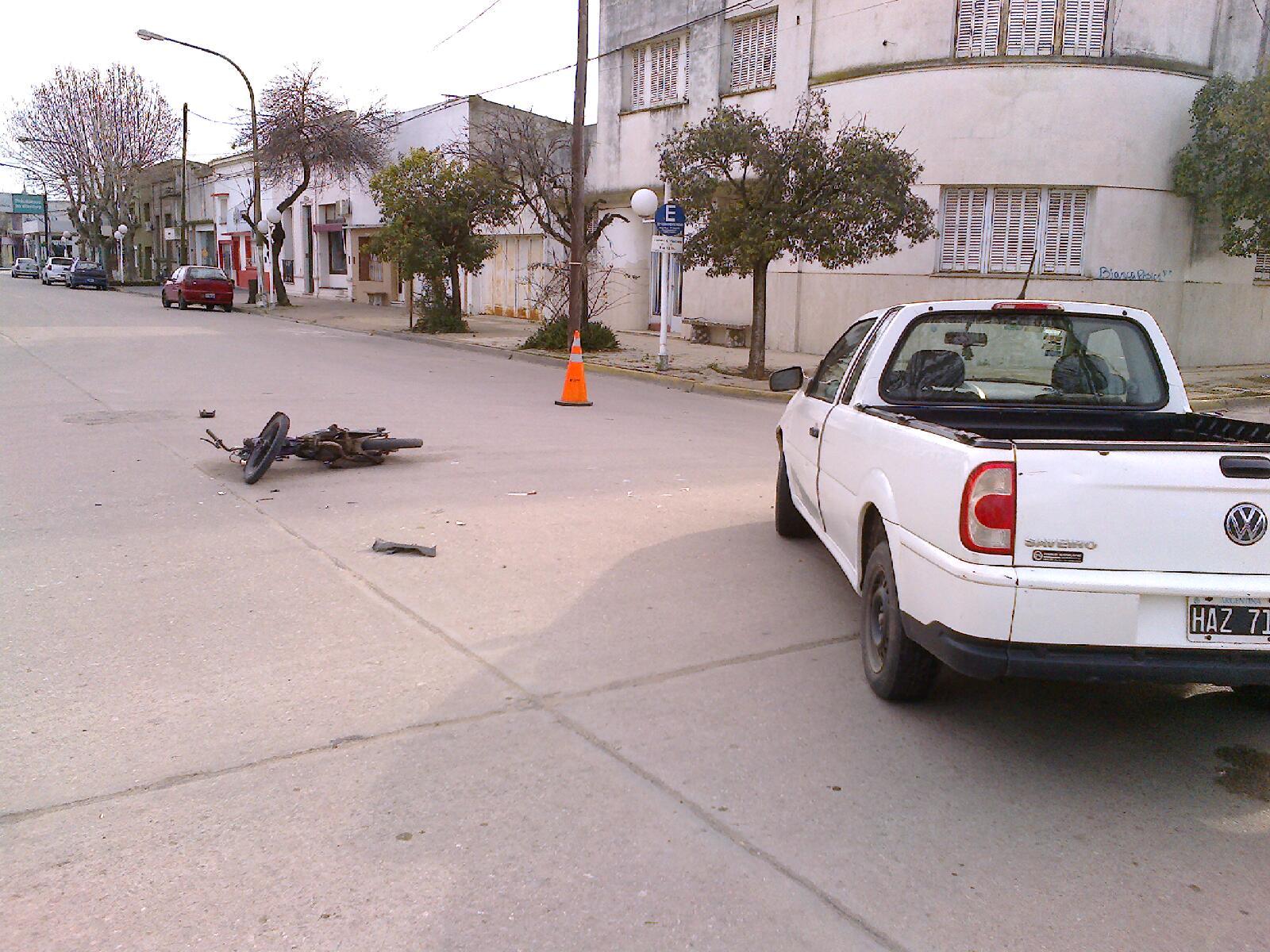Casares On Line Accidente En Av San Mart N Entre Moto Y