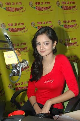 shanvi at 98.3 fm station hot photoshoot