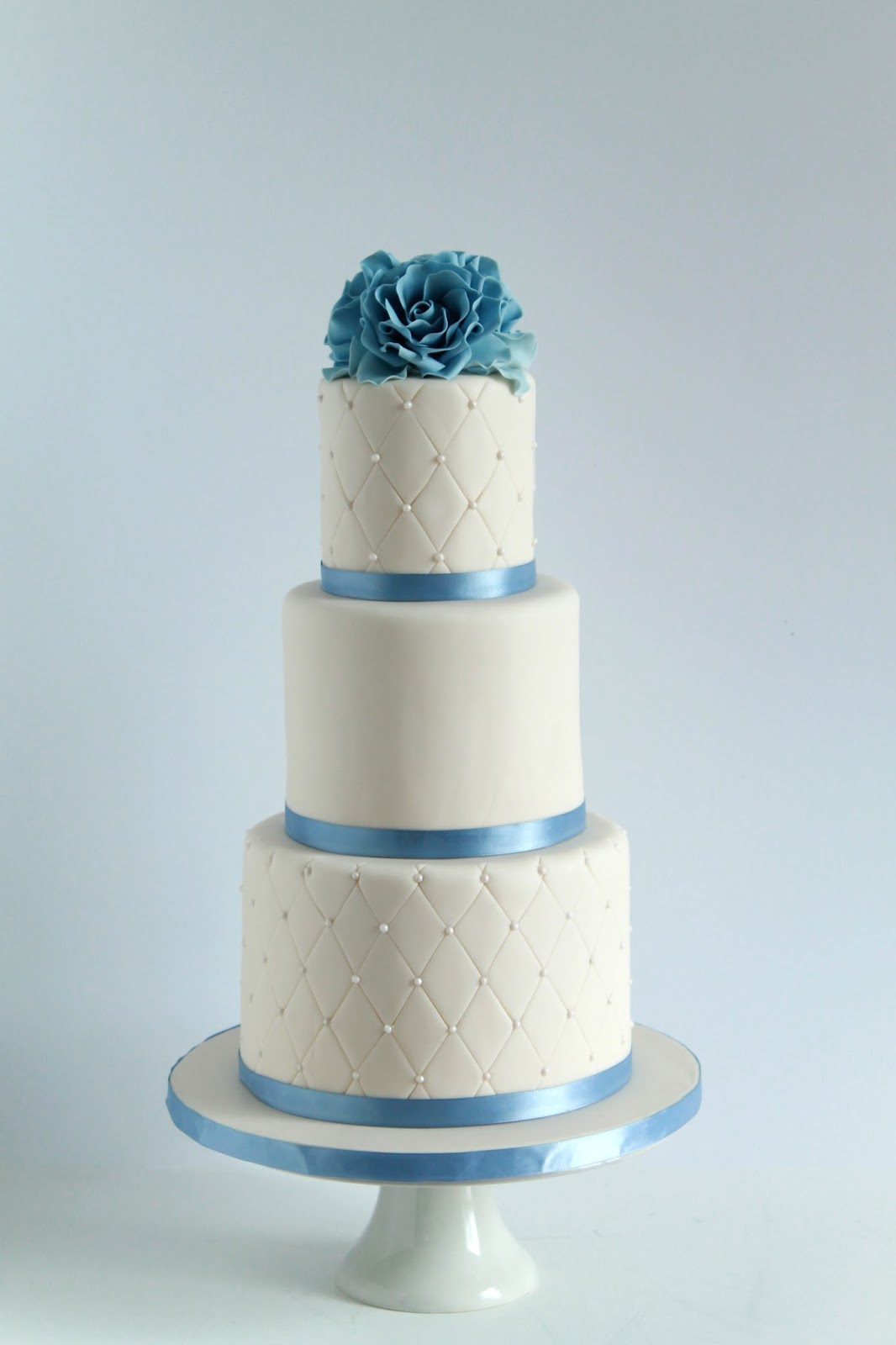 Simple Elegance Wedding Cake | Hamilton Niagara Wedding Cake Bakery ...