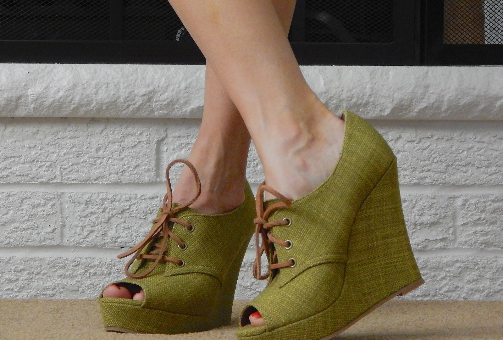 Open-toe Lace-up Shoe is a